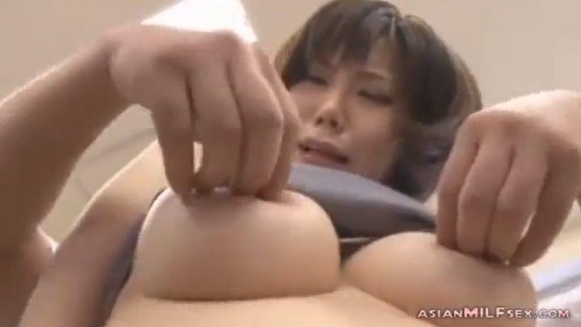 森美人女教師・森ななこ、乳首をキリキリイヤというほど捻り潰され悶絶