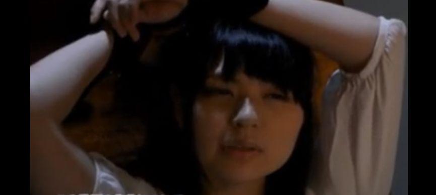 サルづくわされ拘束されて乳首責めされて乳首イキする美乳のお姉さん