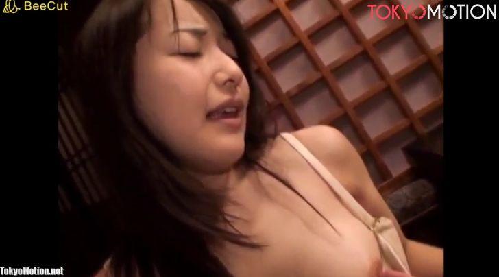 乳首きくぅ!クリトリス並に敏感な乳首を弄られ乳首イキする人妻たち