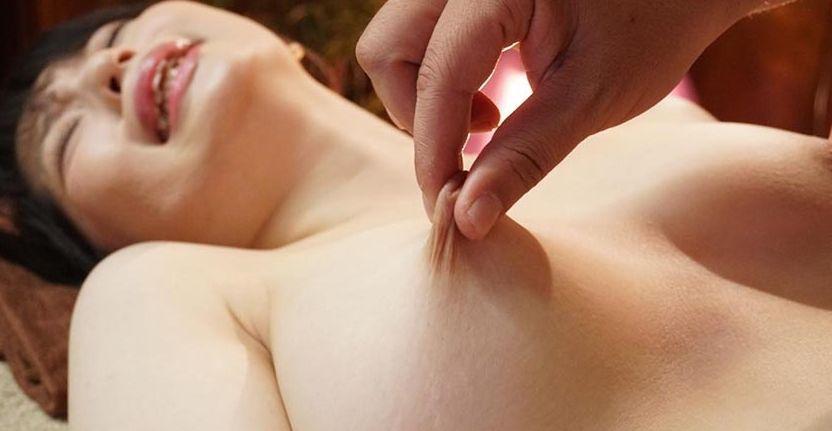 GカップJD・春風ひかる、日本一の乳首性感師の乳首責めで乳首イキ
