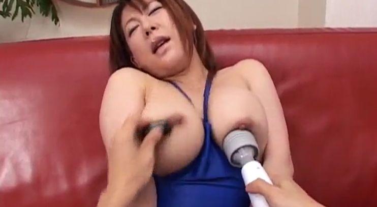 クリより感じるぅ!乳首過敏な50人を徹底乳首責めで怒涛の乳首イキ